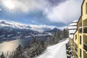 Einen exklusiven Blick auf den Thuner See genießen die Gäste des Dorint Blüemlisalp Beatenberg/Interlaken.