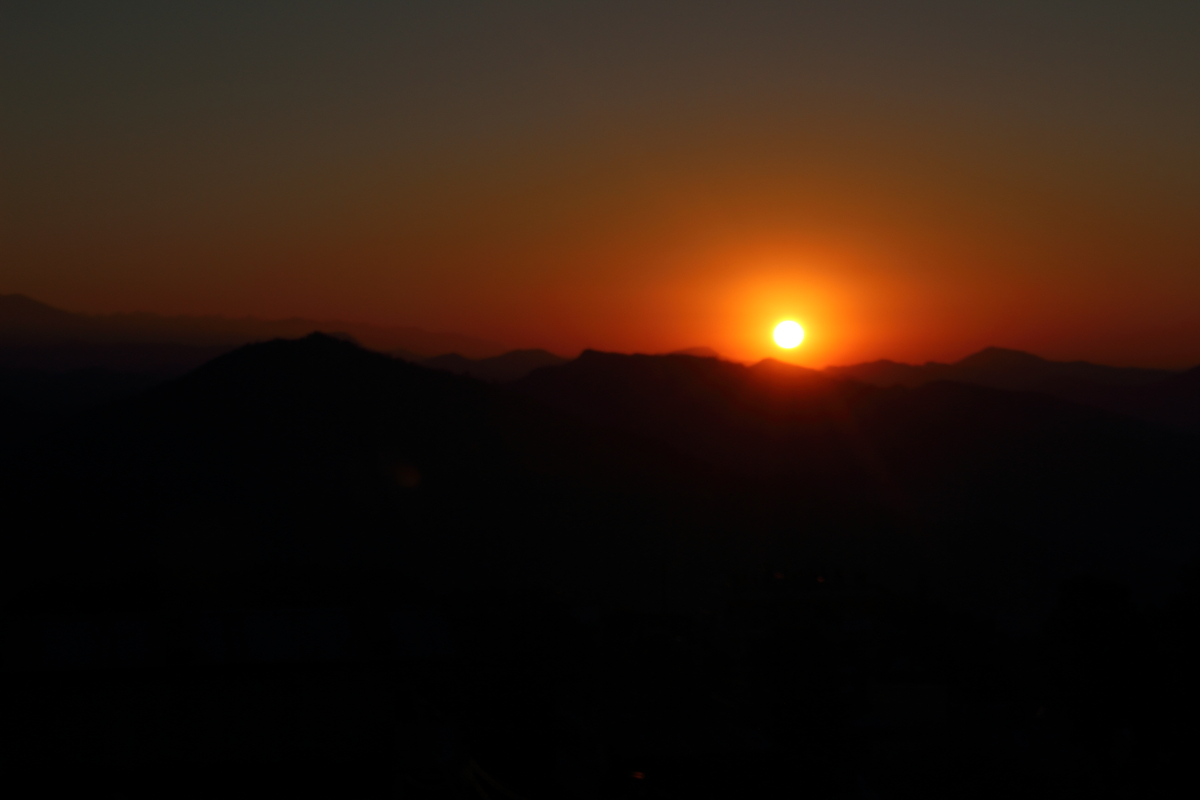 The early morning sun over Pokhara