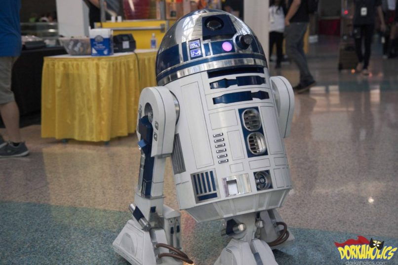 R2-D2 just hanging out. Photo by Neil Bui.