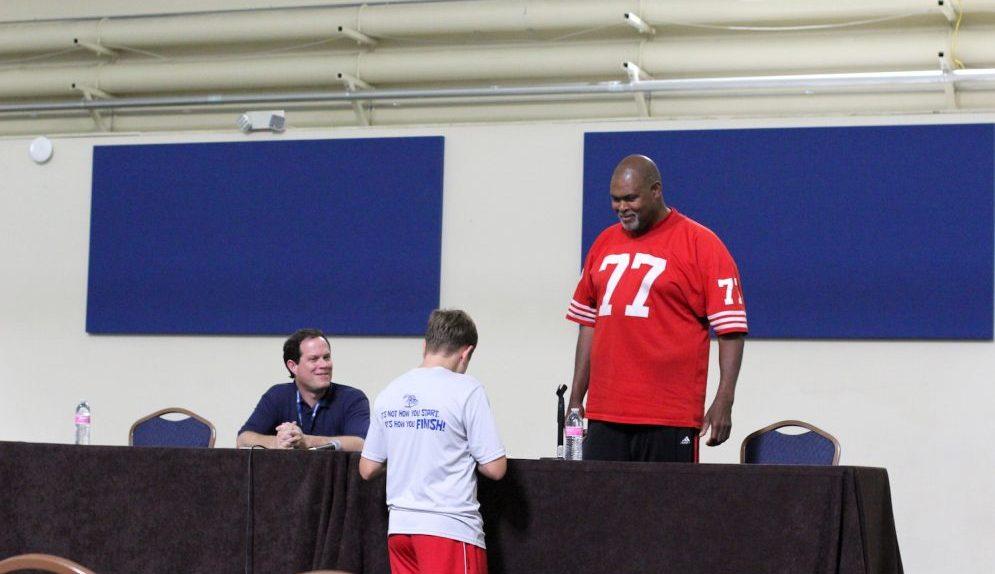 Bubba Paris at Sacramento Sports Collectors Show 2016