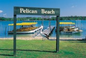 032073 Noosa River Pelican Beach