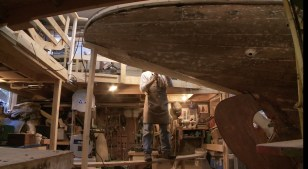 WS Tony removing rubrail portside