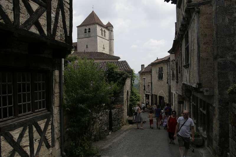 Saint-Cirq-Lapopie-lot-beaux-village-straatje