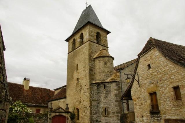De Romaanse kerk in Loubressac, Frankrijk