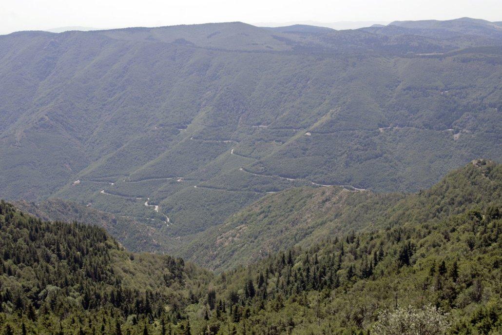 Mont Aigoual cevennen berg col top uitzicht zuiden frankrijk weg