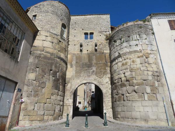 De stadspoort van Die in de Drome Frankrijk