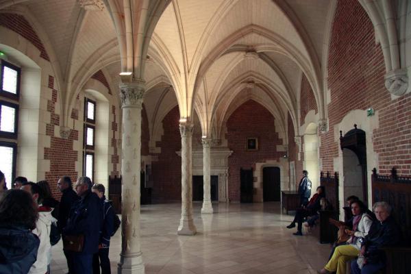 De prachtige koninklijke zaal binnen het kasteel