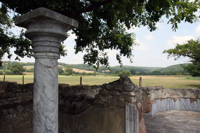 Marmeren zuil van de Romeinse villa bij Montmaurin in het zuiden van Frankrijk