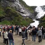 On the way to Flåm, the train will stop at the Kjosfossen waterfall.