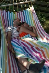 Afslapning i hængekøjen, Her Anne og Tomas