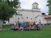 På tur til klostret. Sopoćani Monastery. På Unescoes verdensarv liste.