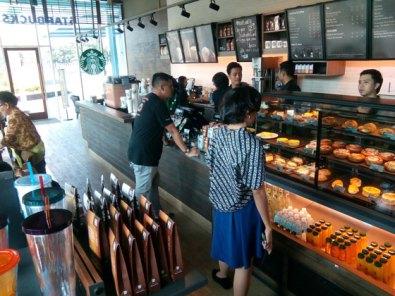 Interior Starbucks JI Expo