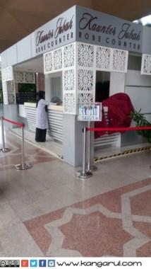 Kounter Jubah di Masjid Putra