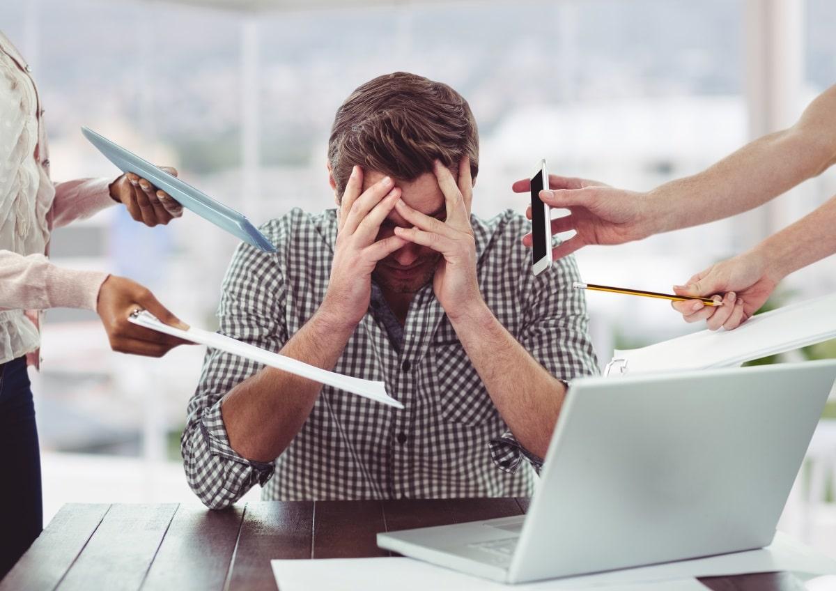 Stres za računalnikom (Freepik)