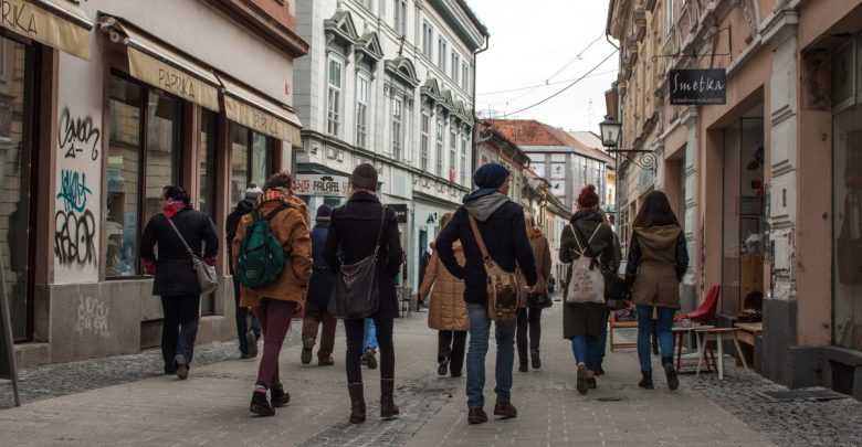 Rajzefiber, Društvo Hiša!, peticija, Maribor