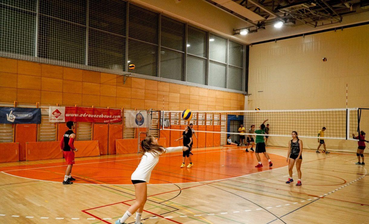 Zdrava zabava, Univerzitetna športna zveza Maribor, Vrbanska, futsal, košarka, odbojka