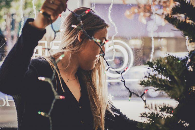 Študentski dom, stanovanje, Božič, praznični čas, praznično vzdušje, pomen praznikov, božična glasba, božični čas, božične slaščice, druženje