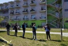 Photo of AFS Študent zaigrali pred domovi za starejše