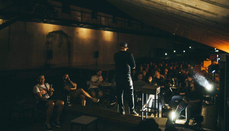 stand up, David Gorinšek, Blendor Sefaj, Tim Andrić, Kaja Grozina, Marko Žerjal, Gašper Bergant, Uroš Kuzman, Maribor, Lutkovno gledališče Maribor, open mic, KGB, Rok Škrlep, Slabe šale