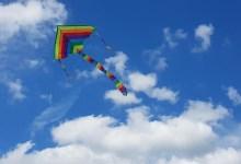 Photo of Triletno deklico nenačrtovano v zrak odnesel zmaj na veter