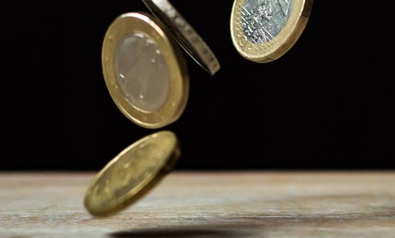 denar, finance, finančno, finančni, zapravljanje, varčevanje, kako varčevati, kako prihraniti denar, kako ravnati z denarjem
