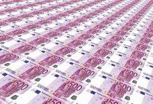 Photo of V kleti stanovanja v Parizu našli pol milijona evrov