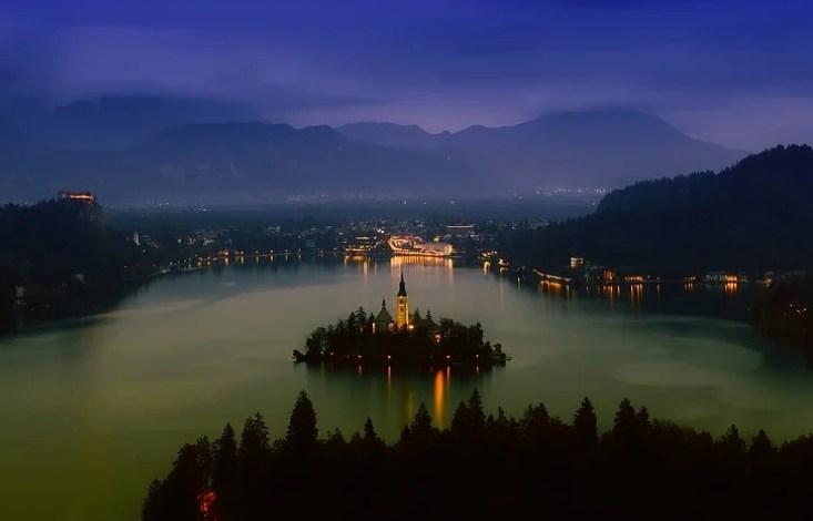 Vlada, covid-19, slovenija, vlada rs, vlada republike slovenije, Turistične bone, turistični boni,