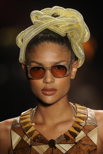 wooden sunglasses and jewelry by Ronaldo Fraga