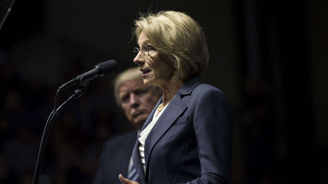Betsy%20DeVos%20at%20Thank%20You%20Tour%20stop_1483827807949_176612_ver1_20170107223456-159532