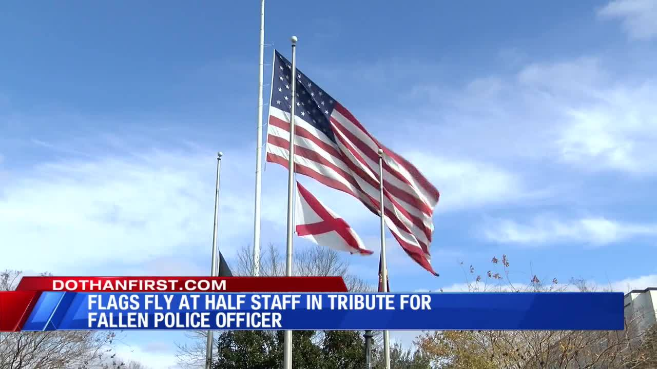 Flags_lowered_for_officer_4_20190116014225