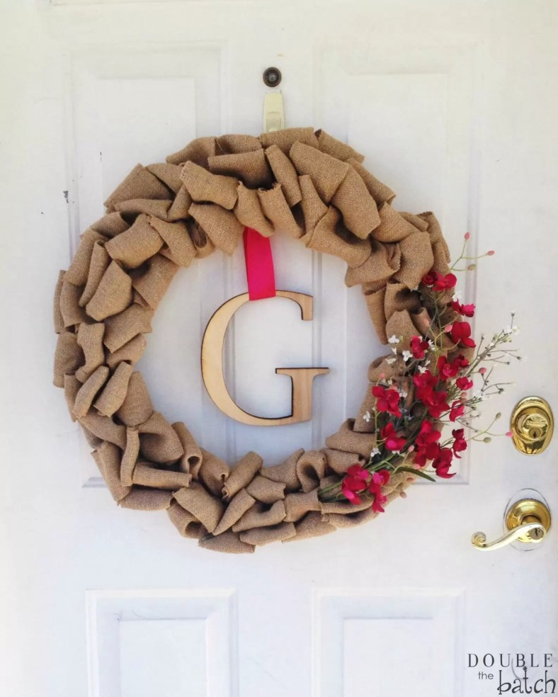 DIY Burlap Wreath. Simple and Easy to Make!!