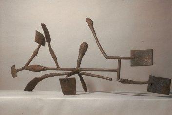 Mudra I, 1983. Steel 33 x 72 x 19 in.