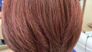 白髪染めを卒業してピンク系カラーに