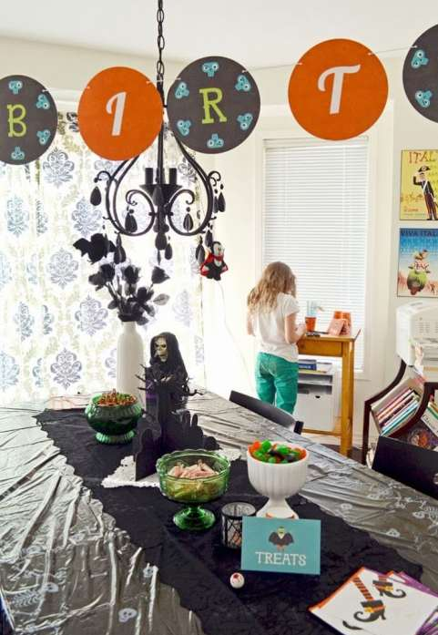 All Rights Reserved http://www.womaninreallife.blogspot.ca/2013/10/a-halloween-birthday-party.html