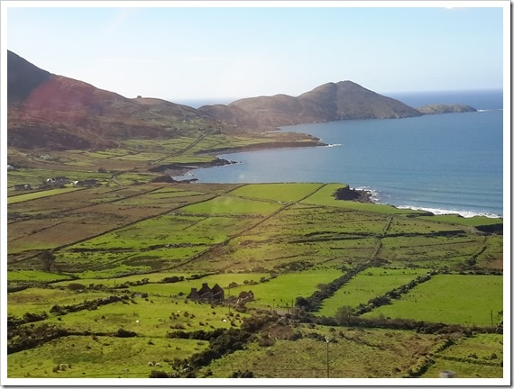 Ring of Kerry - Many Shades of Green in Ireland_@DownshiftingPRO