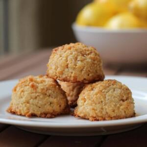 (gluten-free, paleo) Meyer Lemon Coconut Macaroons | www.downshiftology.com