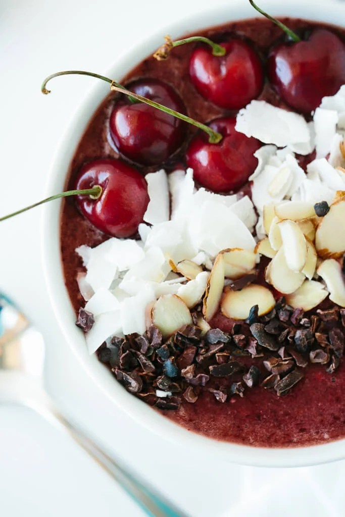 (gluten-free) Dark Cherry Smoothie Bowl