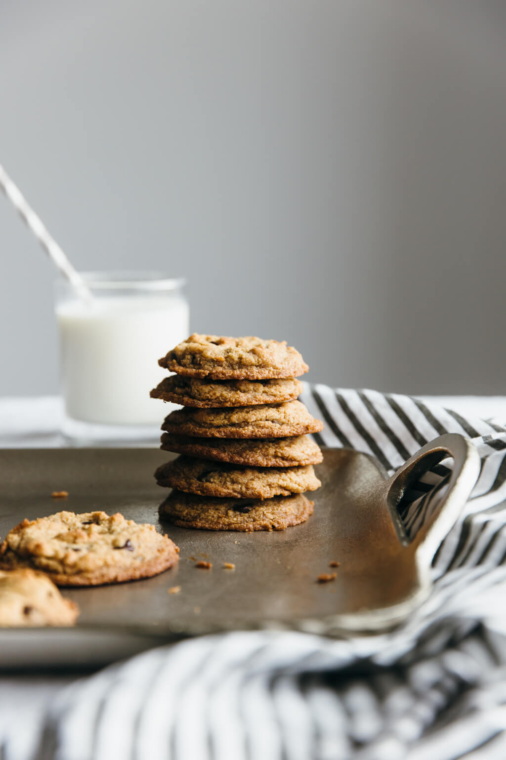 The best chocolate chip cookies. Paleo, vegan, gluten-free, grain-free.