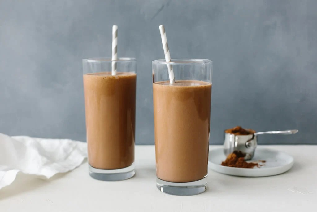 This chocolate collagen smoothie satisfies all your chocolate cravings and gives you a health boost with collagen peptides. With just 5 simple ingredients you're sure to make this healthy smoothie again and again.