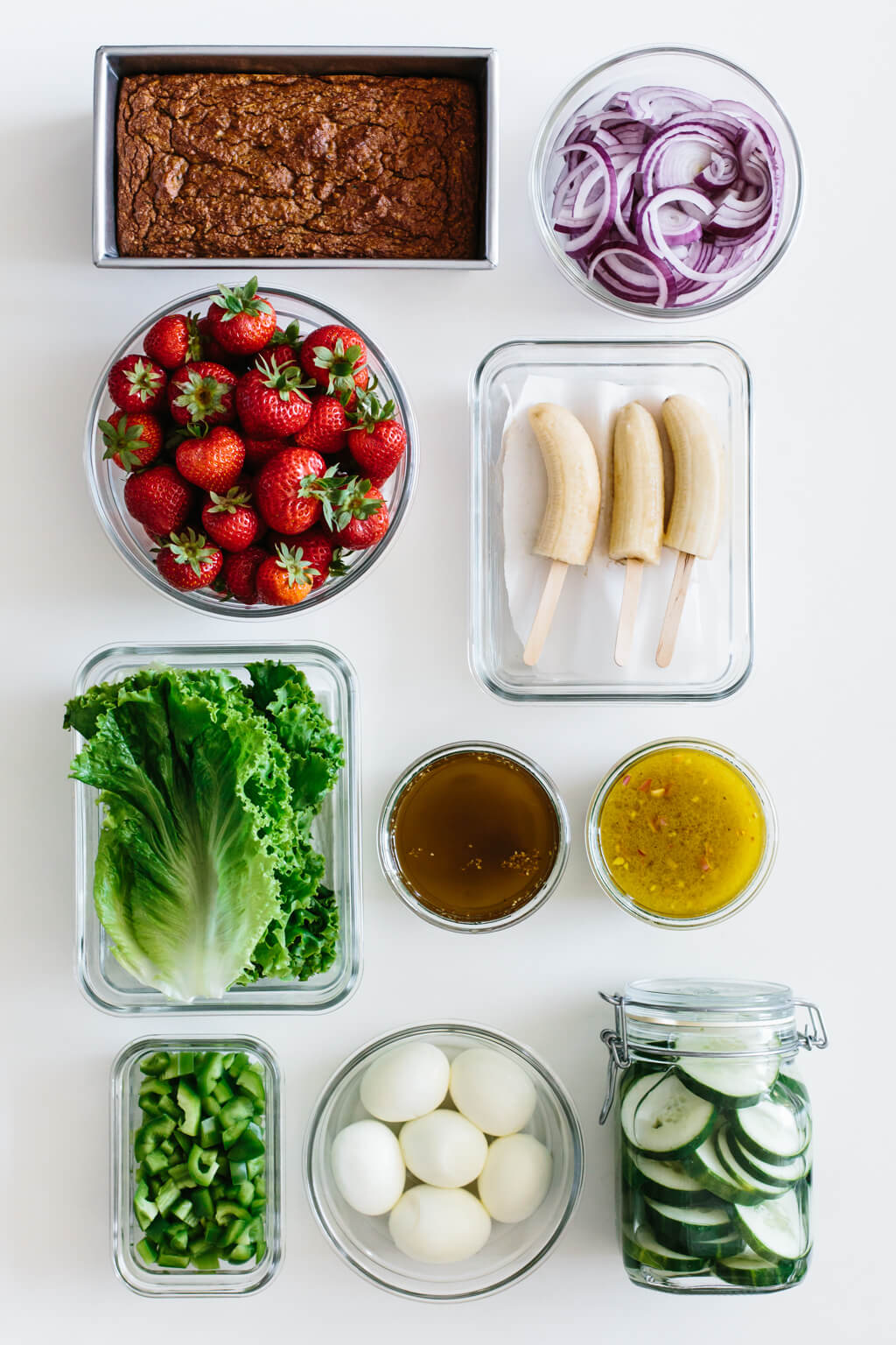 Have an endless supply of light and fresh meals throughout the summer with this new meal prep plan. Today I'm showing you how to turn 10 ingredients into delicious smoothies, vibrant salads and satiating snacks.