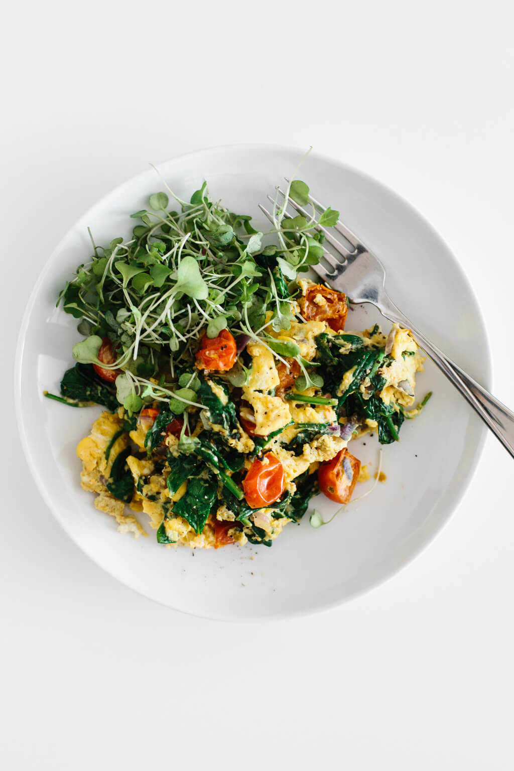 Whole30 scrambled egg breakfast recipe