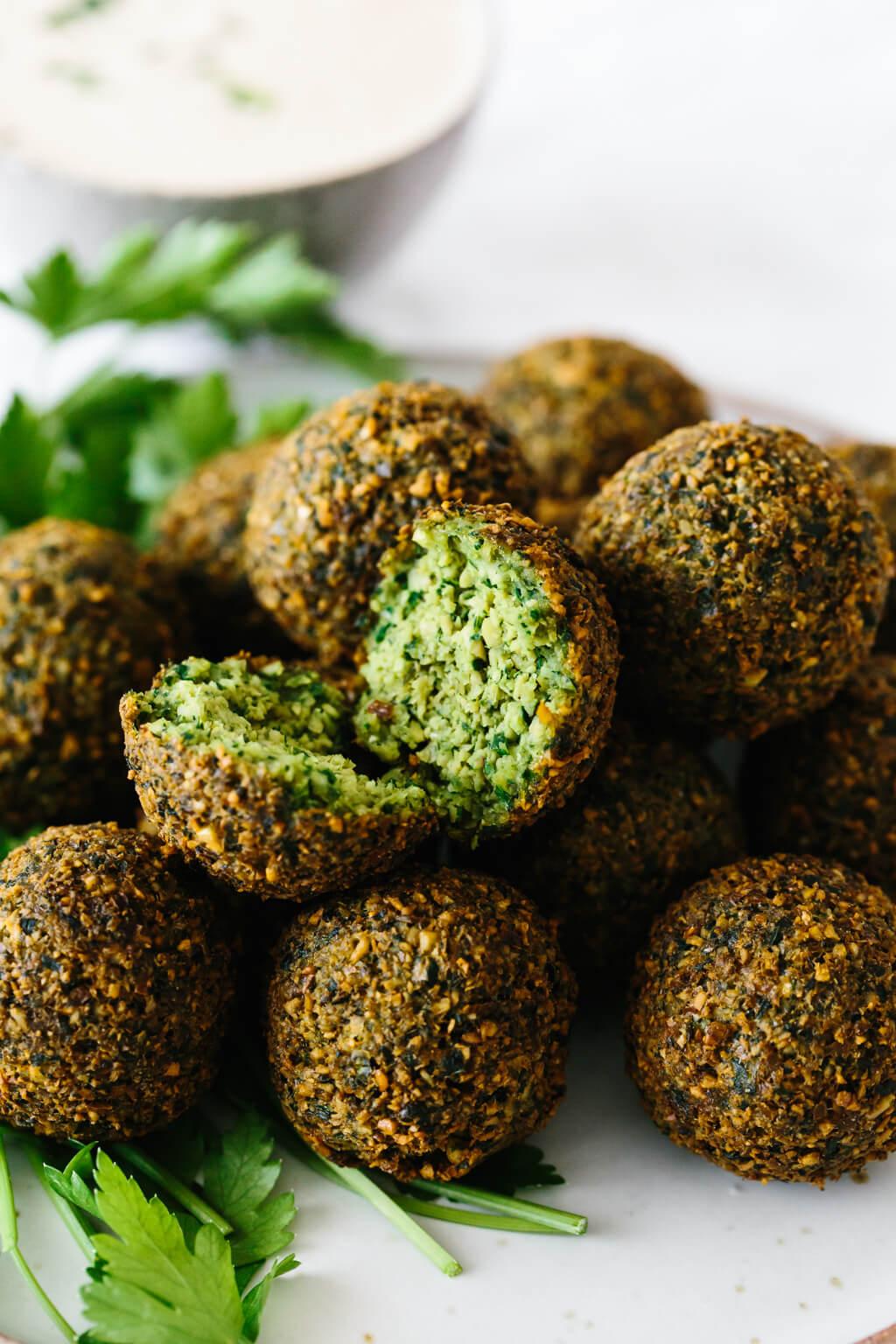 A plate of falafel balls.