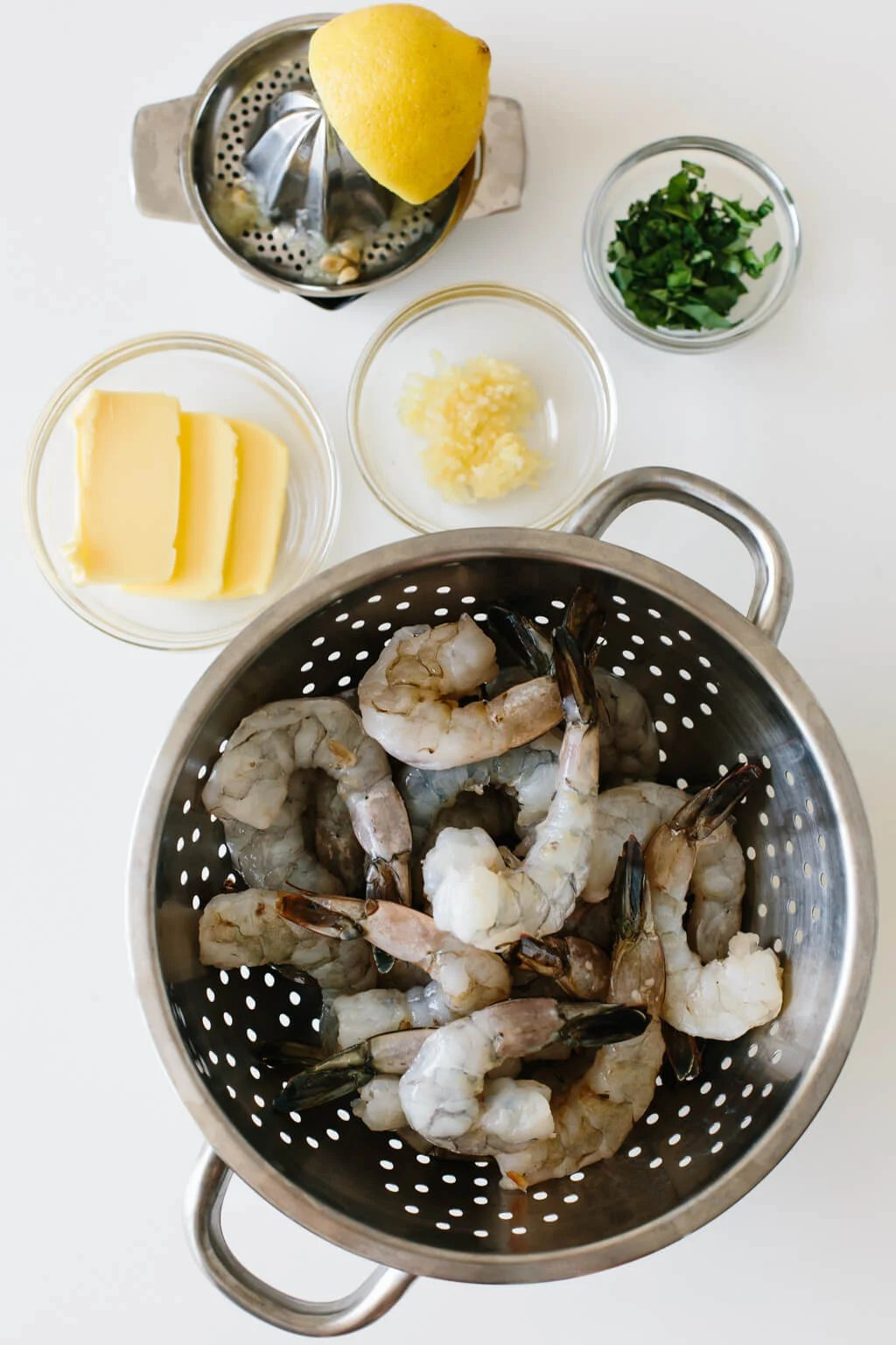 Ingredients to make garlic butter shrimp.