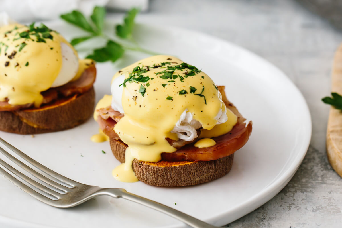 Healthy Eggs Benedict Downshiftology