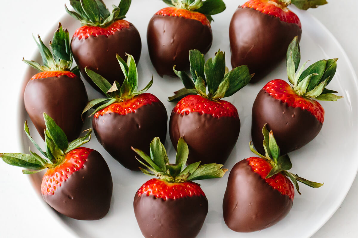 Chocolate Covered Strawberries With Tips Downshiftology