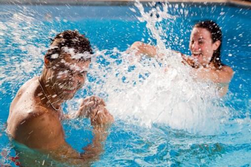 pool splashing