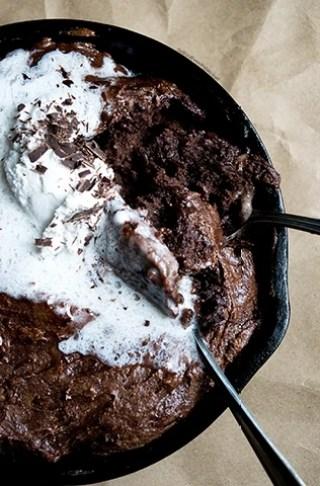 Vegan Flourless Plantain Skillet Brownie | DoYouEvenPaleo.net