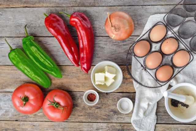 All you need is very basic and easy-to-find ingredients to cook Turkish omelette - menemen.