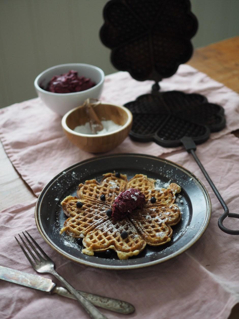 Rye Waffles with Wild Blueberry Butter (Rug Vafler med Blåbær Smør)