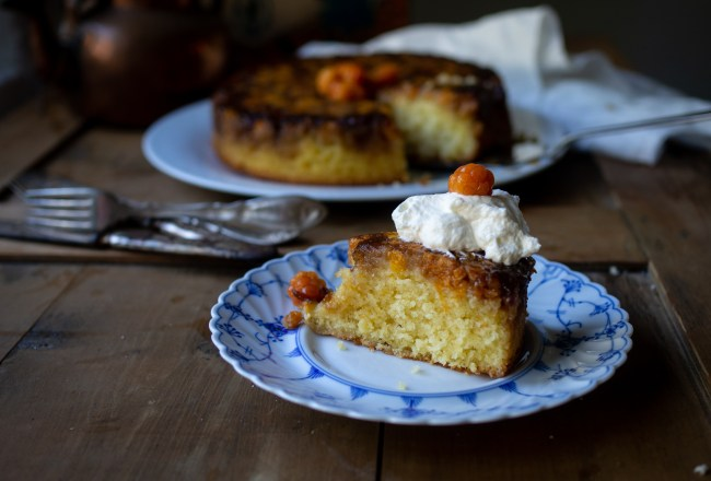 Cloudberry Upside Down Cake (multekake)